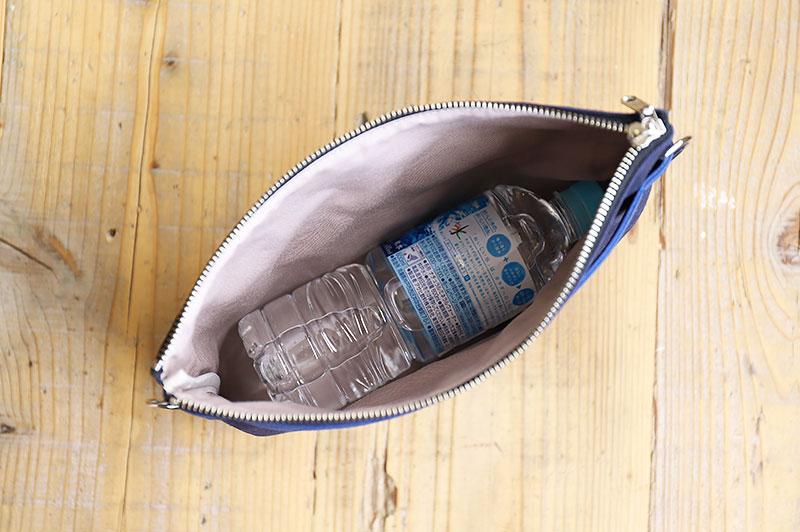 ペットボトルが入るバッグインバッグ
