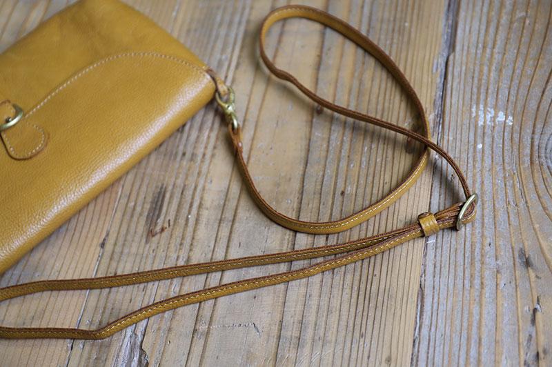 線の細いお財布ショルダーの肩ヒモ
