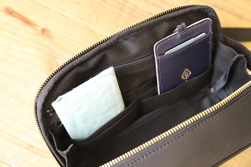 カードポケットに小物収納