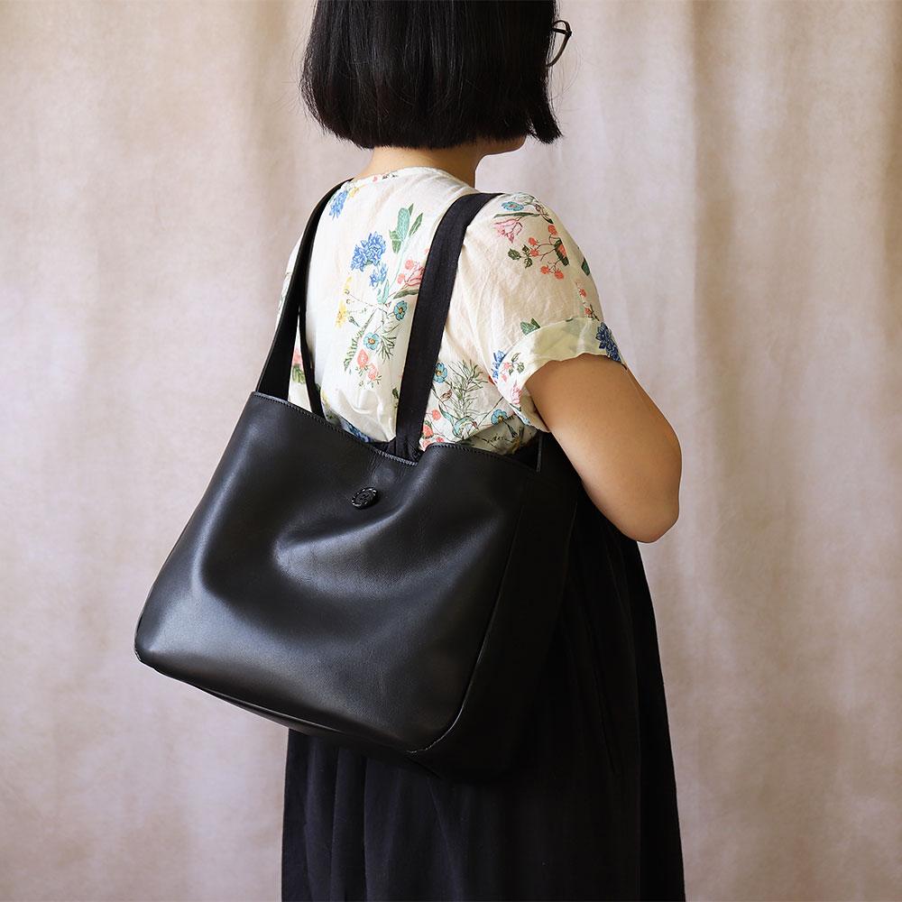サロペットとオーバーオールのためのバッグ