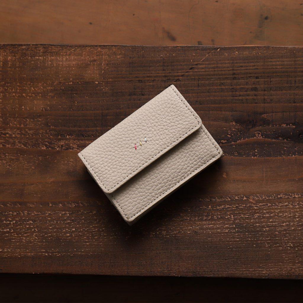 コンパクトな折財布