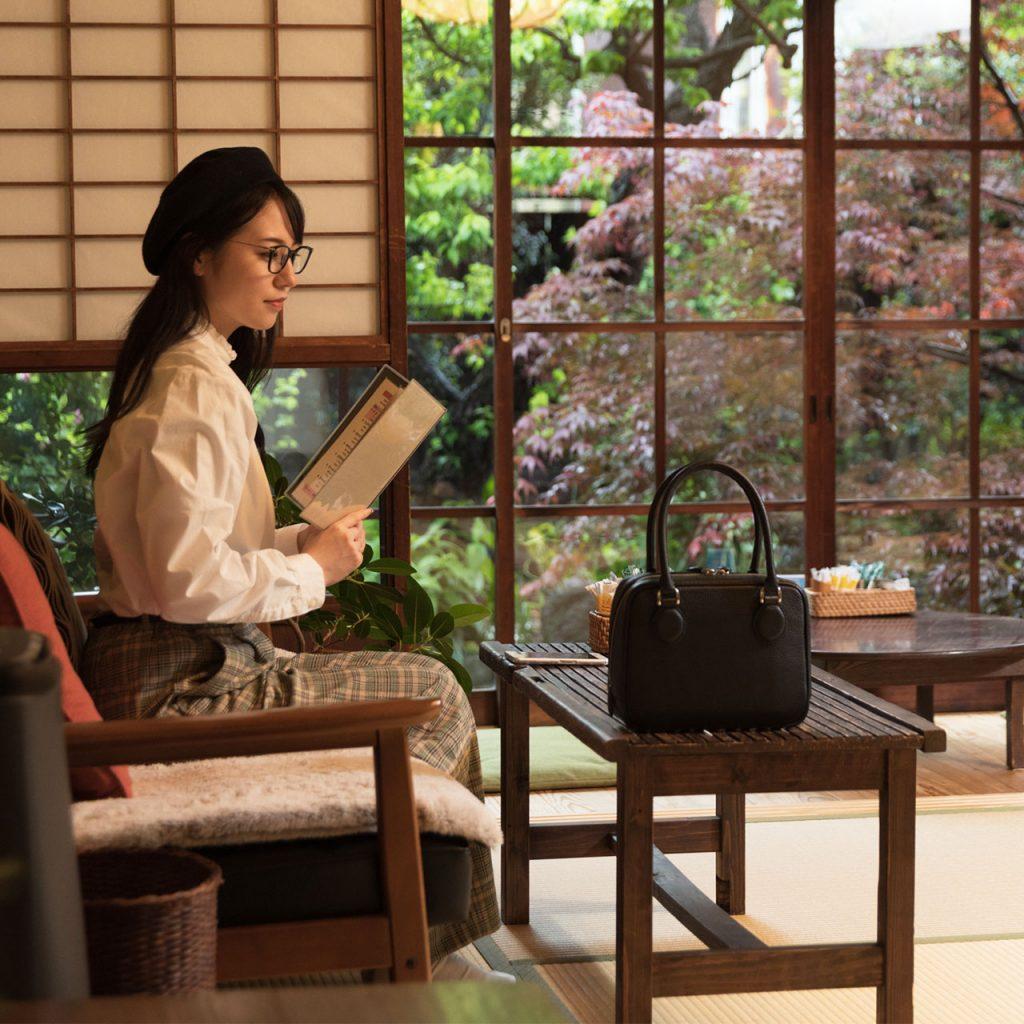日本製・本革のミニボストンバッグ